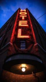 ¿Cuál es el papel del ROI en la industria hotelera?